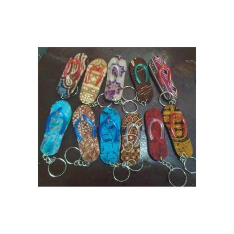 Gantungan Kunci Murah Souvenir Khas Perancis gantungan kunci ganci sandal batik murah khas jogja