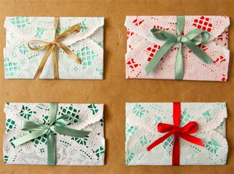 how to wrap presents how to wrap gift cards for christmas how tos diy