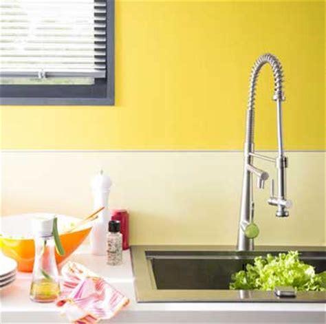 Bien L Energie A La Cuisine #5: couleur-jaune-dans-une-cuisine-a-la-deco-contemporaine.jpg