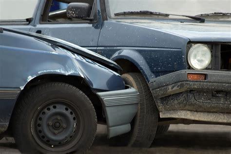 Restwert Auto Totalschaden by Totalschaden Beim Verkehrsunfall