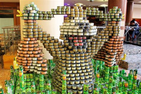 how to build a canned food sculpture duck hunt dog made out of canned goods plus others
