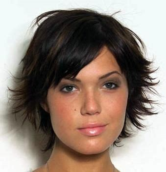 Mandy Moore Short Hair Cuts At A Glance Hair Fad Styles | pin by tracy starkes on short cuts pinterest