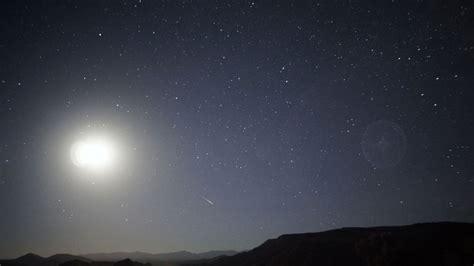 halley s comet debris will be visible in meteor shower