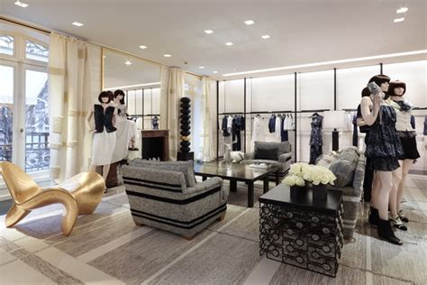 chanel boutique  paris luxury topics luxury portal