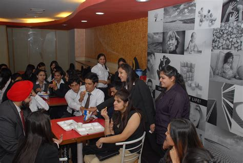 Amity Mba For Working Professionals by Welcome To Amity Global Business School Chandigarh Top