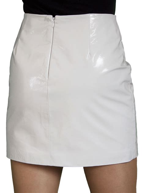 patent leather mini skirt or white tout ensemble