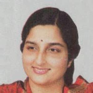 gayatri mantra testo anuradha paudwal le canzoni testi e musica playme it