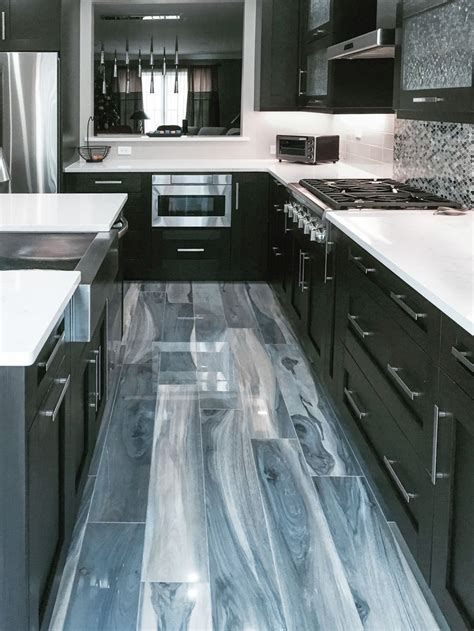 25  best ideas about Artistic Tile on Pinterest   Tubs of