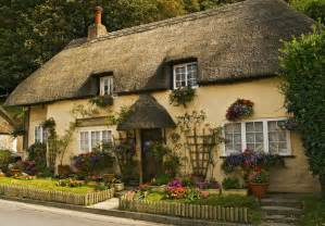 cottage homes pretty thatched english cottage exterior of homes pinterest