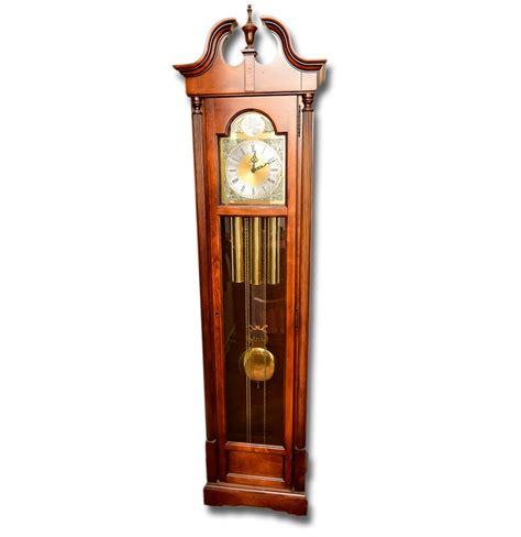 standuhr tempus fugit howard miller quot tempus fugit quot grandfather clock ebth