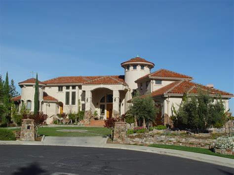 tuscan inspired homes italian tuscan style homes residential styles pinterest