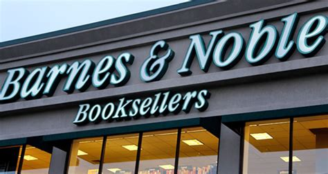 The Wall Mba Barnes And Noble by 100s Of Barnes Noble Stores To Litreactor