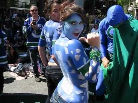 Osbourne Flashed At World Cup by Vancouver Canucks Fan Showing