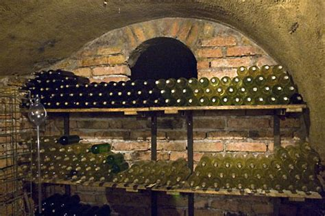 Incroyable Amenager Une Cave A Vin #1: wine.jpg