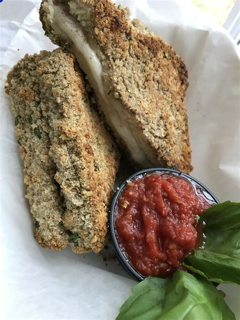 mozzarella in carrozza vegan mozzarella en carrozza sandwich three vegan creamery