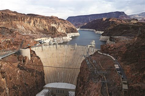 Lagie Mede last straw how the fortunes of las vegas will rise or fall with lake mead popular science