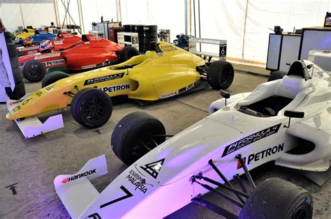 formula 4 engine petron supplied fuel engine oil to formula 4 sea final