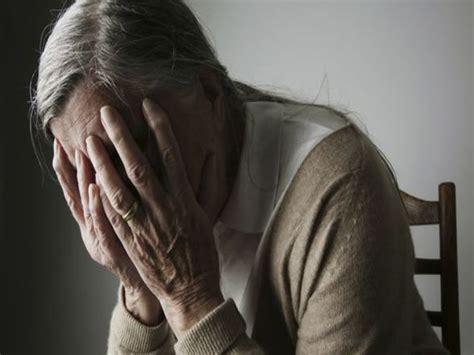 l alzheimer porta alla morte un pieno di sangue quot giovane quot per combattere l alzheimer