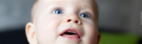 wann zahnen babys zahnen beim baby was tun bei den ersten z 228 hnen babyplaces