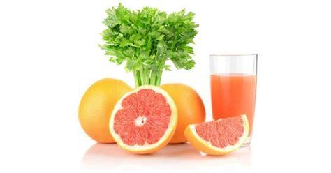 alimenti contro il colesterolo centrifugato contro il colesterolo pompelmo e sedano by