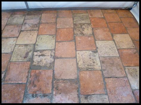 Restoring an 18th Century Norfolk Pamment Tiled Floor in