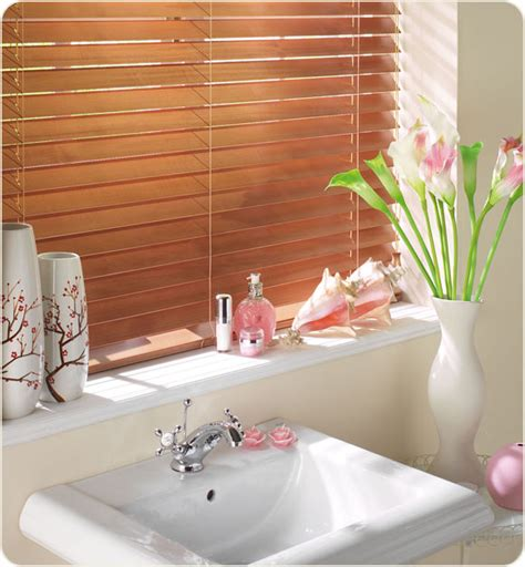 How To Clean Blinds In The Bathtub by Choosing Blinds To Use In Your Bathroom Design Crit