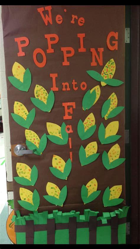 Preschool Door Decorations For Fall by Best 20 Thanksgiving Classroom Door Ideas On