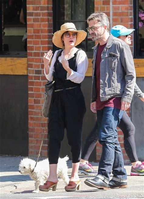 marc maron house parker posey walks her dog zimbio