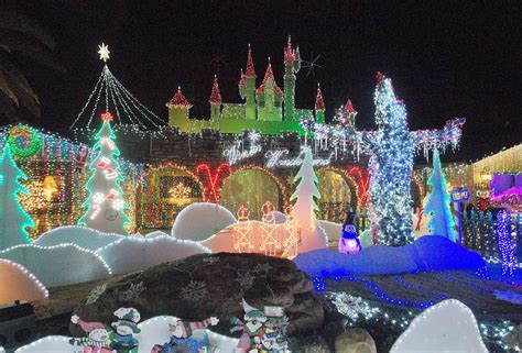 Frozen Christmas Light Show Finest Chinese Dragon Parade Frozen Light Show