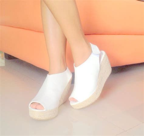 Zr014 Putih Sepatu Sandal Wedges Boots High Heel Flat Shoes Slip On sepatu wedges holidays oo