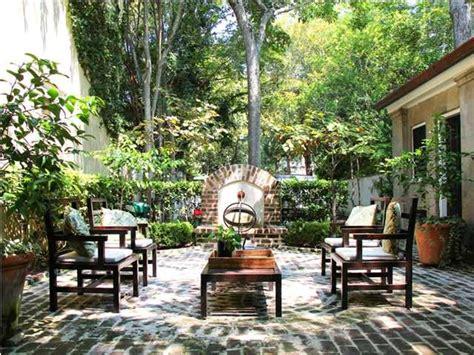 southern backyard southern courtyard backyard pinterest