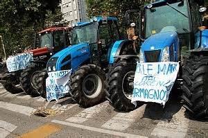 Punto Casa Carmagnola by Punto Nascite Di Carmagnola La Protesta Dei Quot Trattori