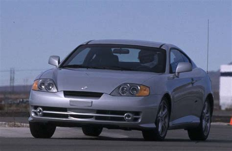 hyundai tiburon review 2003 2003 hyundai tiburon review cars photos test drives