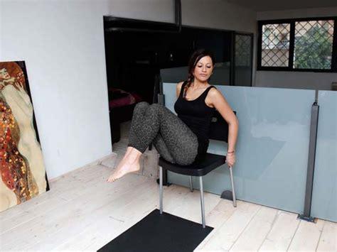 sedia per addominali addominali scolpiscili con una sedia melarossa