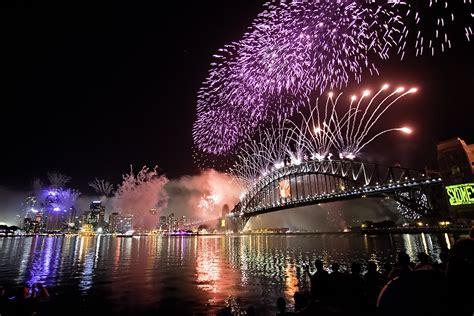 new year fireworks sydney sydney nye 2011 fireworks 1 5 million were