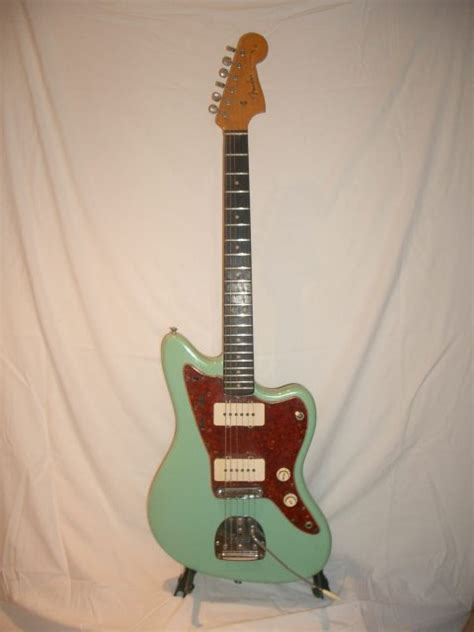 re jazzmaster project seafoam green with tort page 2