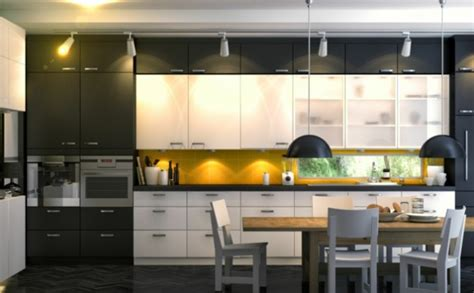 küchen einrichten arbeitsplatte k 252 che holz lackieren