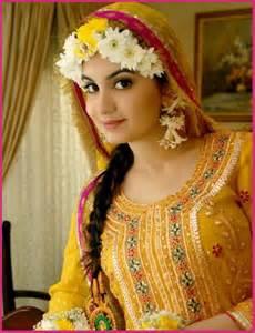 Mehndi dresses for pakistani girls latest fashion trends in pakistan