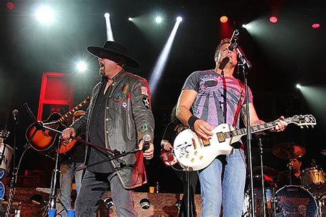 montgomery gentry speed video montgomery gentry deliver hit after hit at taste of