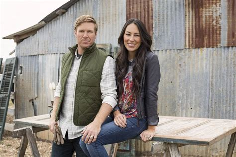 Hometown Kitchen Designs christian fixer upper stars chip and joanna gaines to