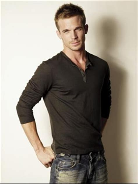 cam gigandet hot outtakes of cam gigandet from his men s health cover shoot