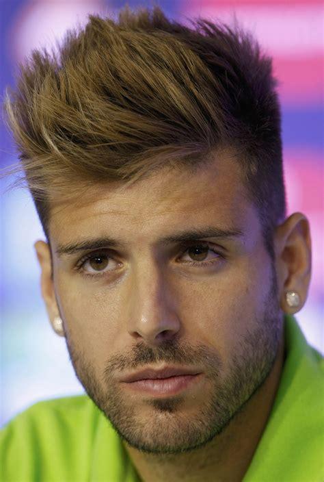 european soccef hair cuts conoce a los guapos del mundial miguel veloso with image