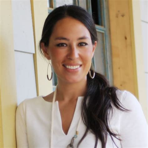 joanna gaines without eyeliner joanna gaines from quot fixer upper quot on hgtv love her style