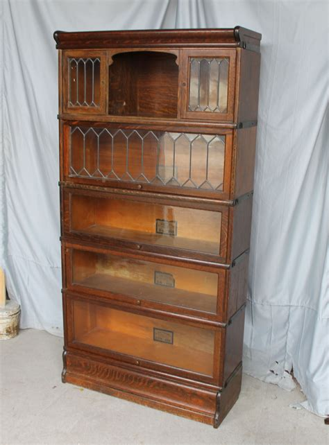 Oak Bookcase With Doors Bargain S Antiques 187 Archive Oak Bookcase With Small Leaded Glass Doors Globe