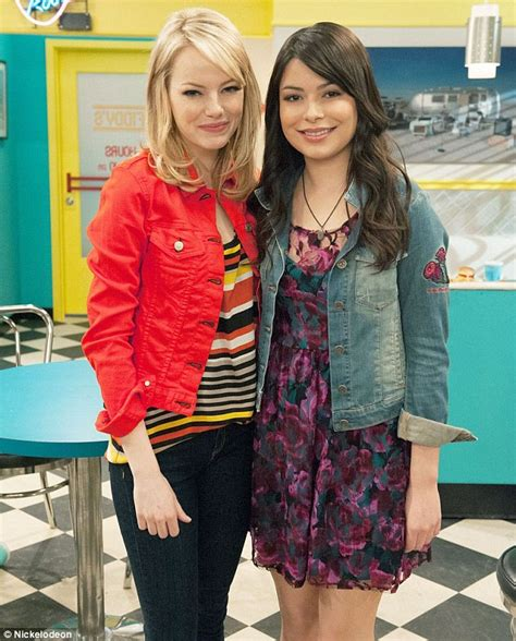 Emma Stone On Icarly | emma stone gets starstruck as she plays icarly super fan