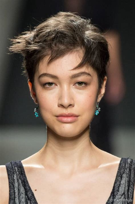 textured pixie for diamond shape face thin hair 10 hairstyles for round face shapes
