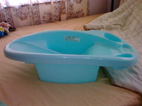baby bathtub safety safety 1st baby bath tub trinidad classifieds