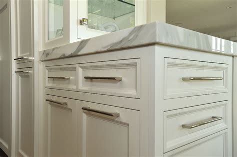 hardware on kitchen cabinets cabinet hardware metropolitan cabinets