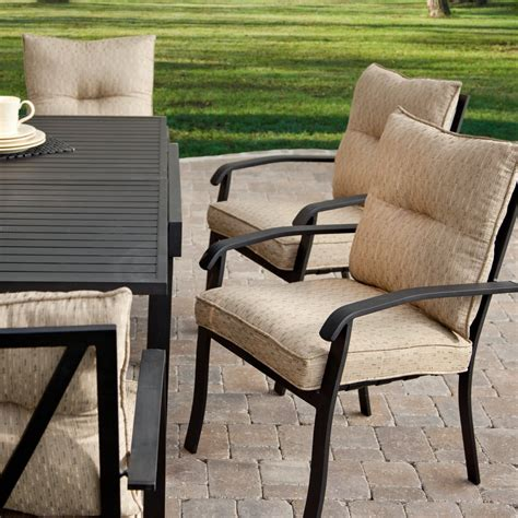wonderful expandable outdoor dining table in best material
