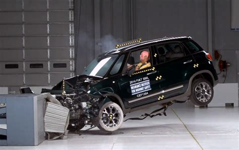 Jeep Grand Crash Test Fiat 500l And Jeep Crash Test Scores Reveal Safe